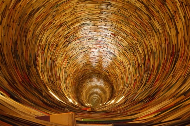 libros-circulo-educacion-libro-del-conocimiento-aprender-rizado_121-2869