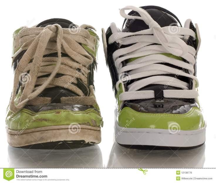zapato-corriente-viejo-y-nuevo-12138776