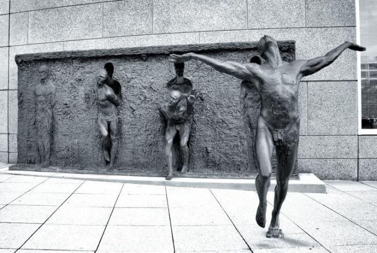 Freedom-Zenos-Frudakis-rektoversoDOTbe