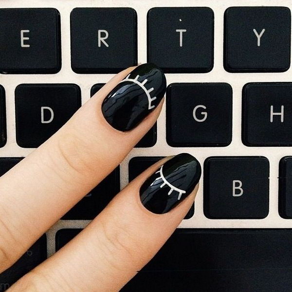 4-black-and-white-nail-art